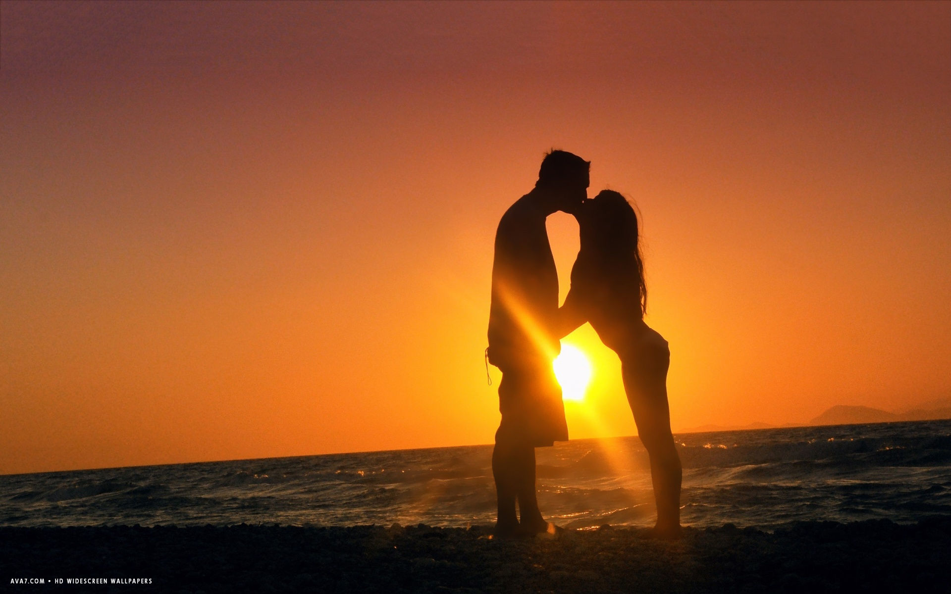 romantic kiss sunset sun sea cute couple scenery silhouette hd widescreen wallpaper