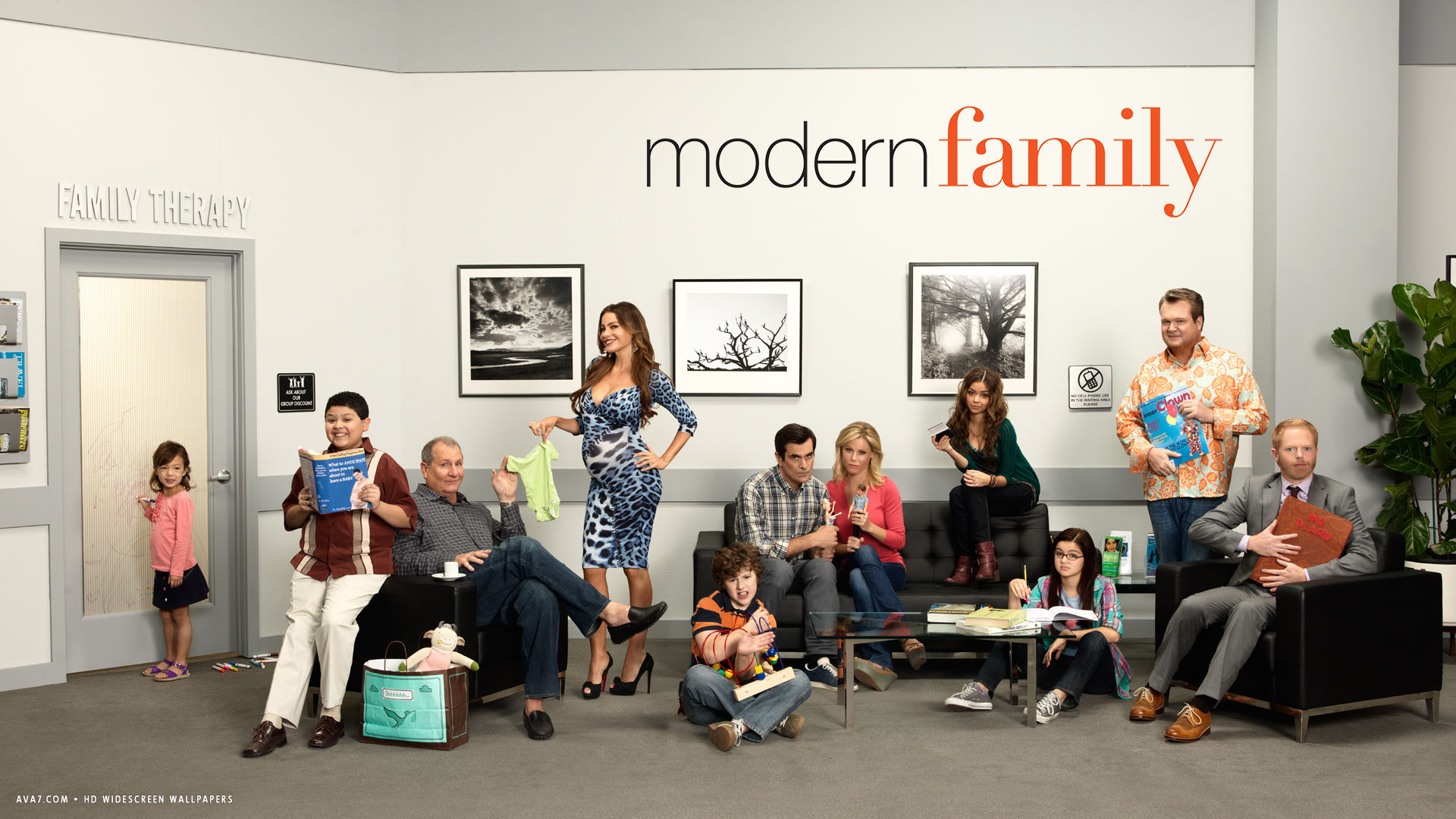 Modern family tv series show hd widescreen wallpaper tv for Modern family wallpaper